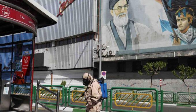 إيران تخفض مخصصات وكلائها في العراق بسبب فيروس كورونا والعقوبات الأمريكية