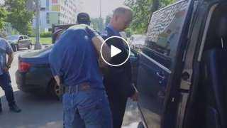 روسيا تنشر فيديو اعتقال مسؤول بتهمة التجسس