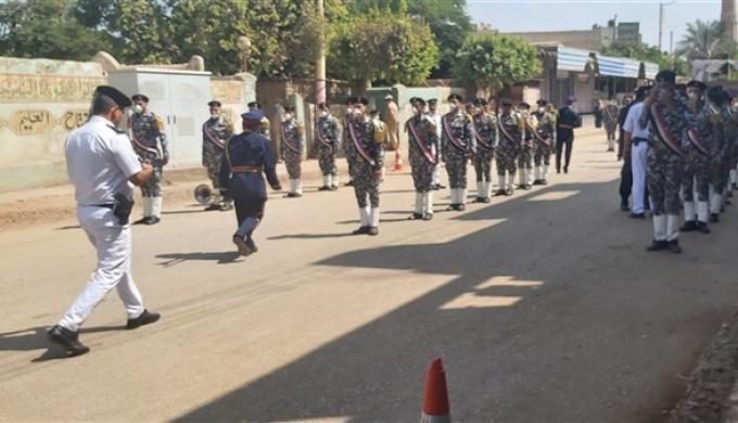 استعدادات تشييع جثمان شهيد التصدي لـ«الهروب من طرة» محمد القاضي