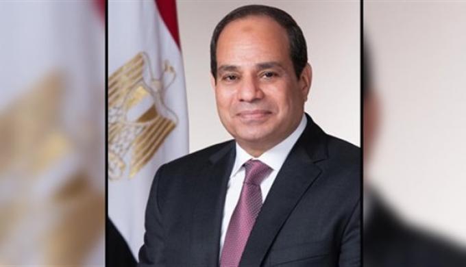 الرئيس السيسي يهنئ المصريين بشهر رمضان الكريم