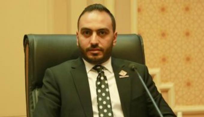 النائب محمد تيسير يستجيب لتلبية نداء مواطنه علي صفحتة الشخصية
