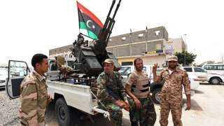 الجيش الليبي يحرر 40 مهاجرا احتجزتهم عصابات تهريب في غرب البلاد